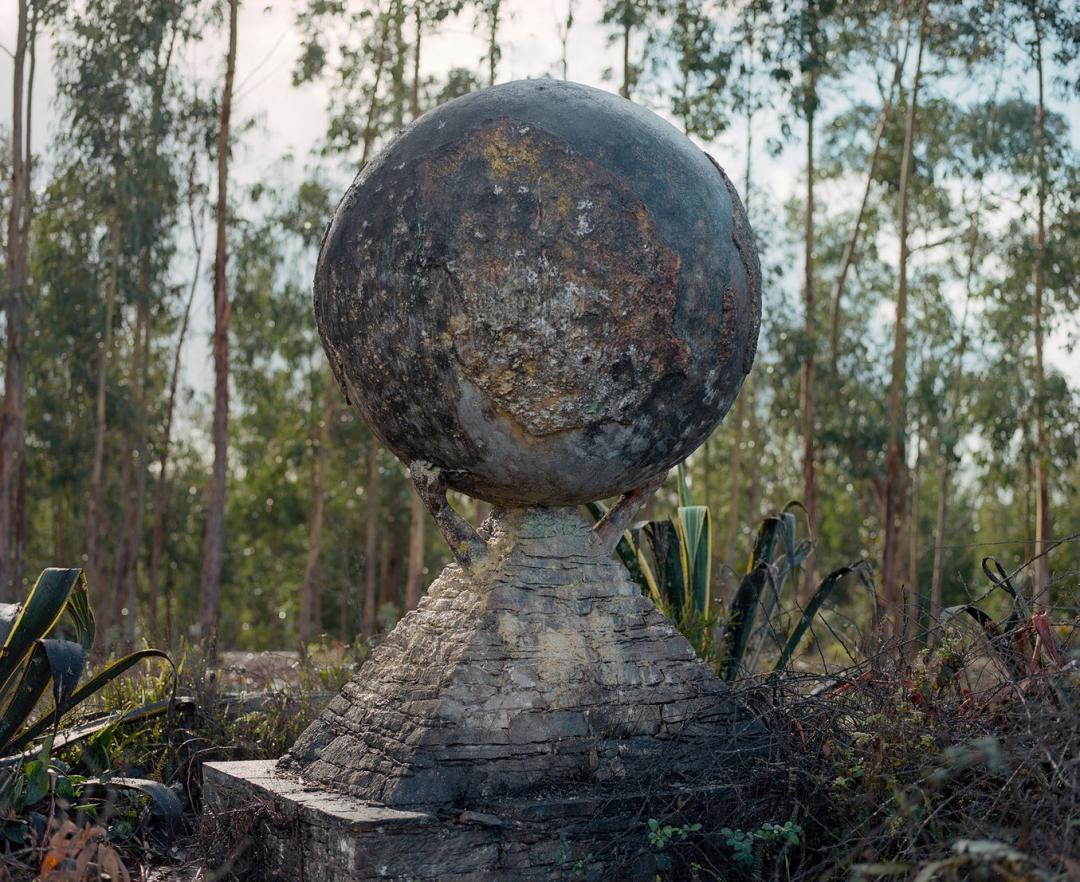 logo for Fundação Lar do Emigrante Português no Mundo